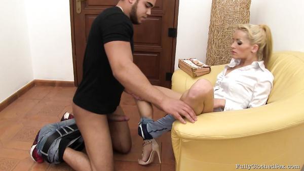Slim European slut seduces Arab man in her house