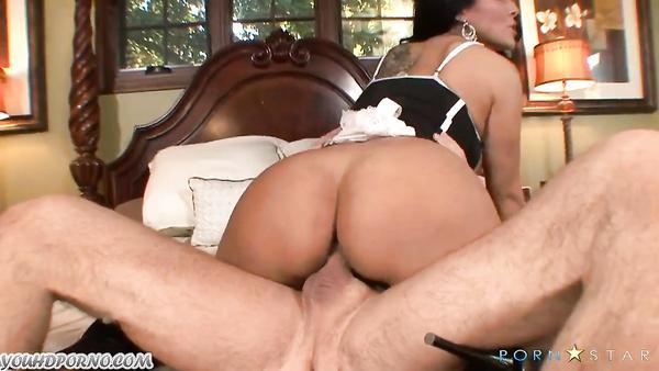 Rough sex with mature latin mom Kiara Mia