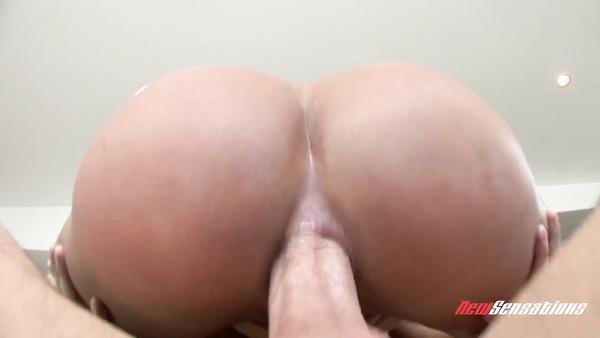 Anal porn with horny 35-year-old pornstar Shyla Stylez